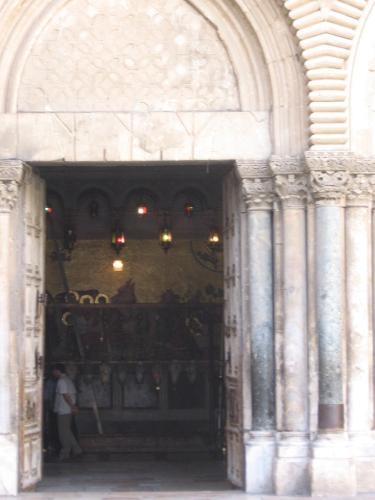 Mormintul Sfint (05)